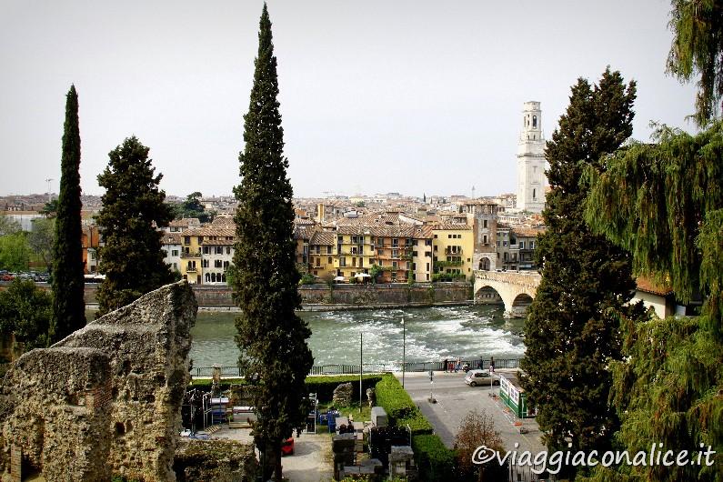 TERZO GIORNO A passeggio sullAdige tra Castelvecchio e