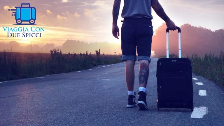 Tabella con le misure e il peso riguardo il bagaglio a mano