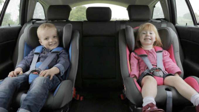 seggiolini per bambini nel noleggio auto