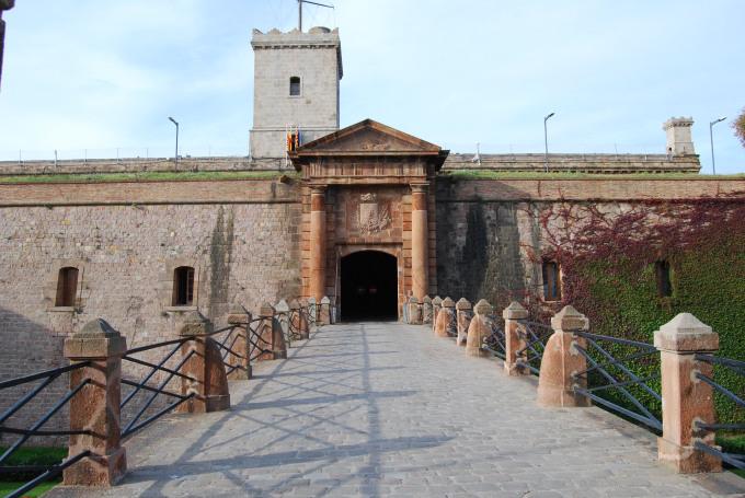 barcelona castello di montjuic