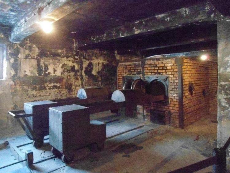 forni crematori ad auschwitz