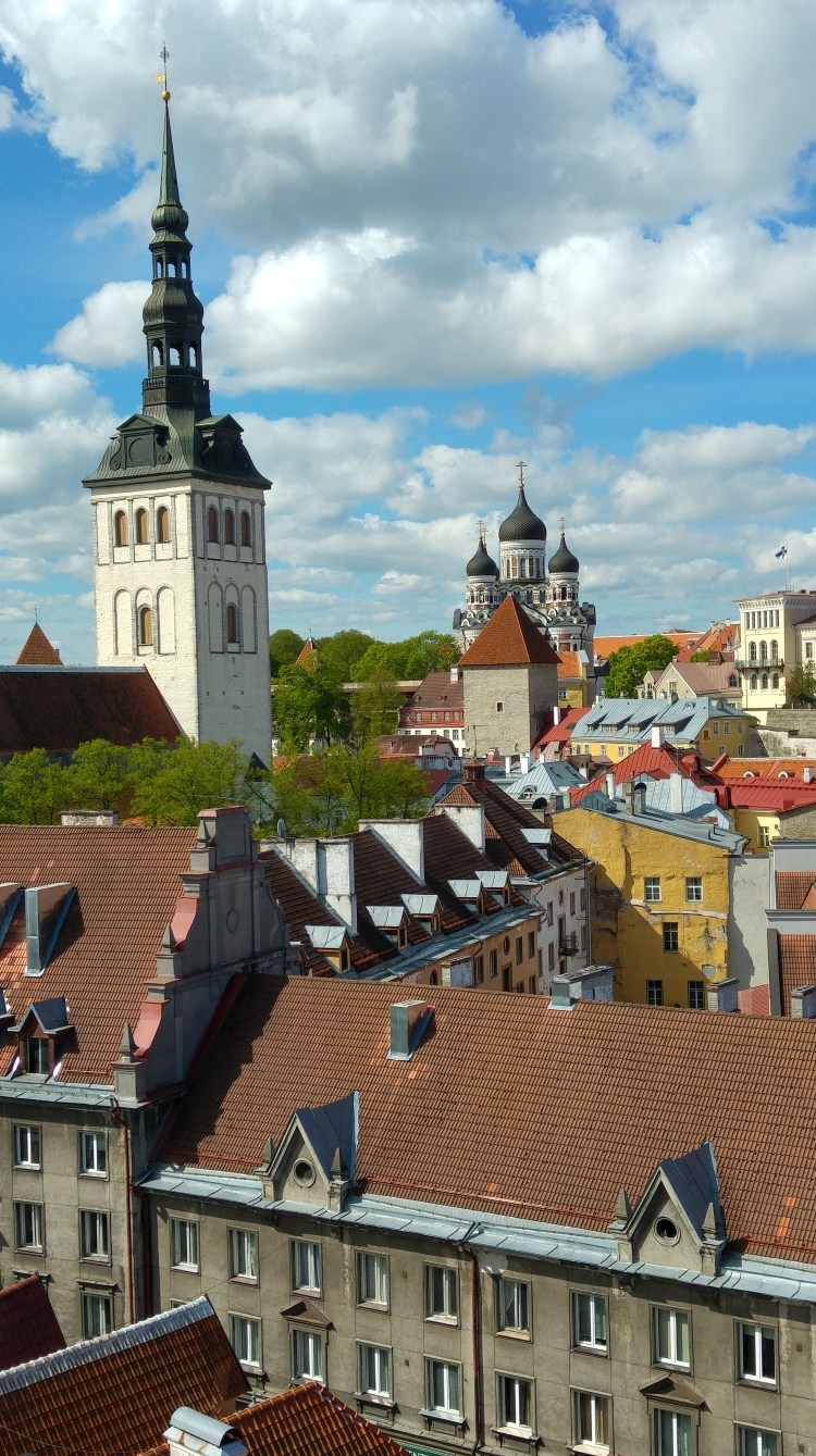 il suggestivo panorama di tallinn