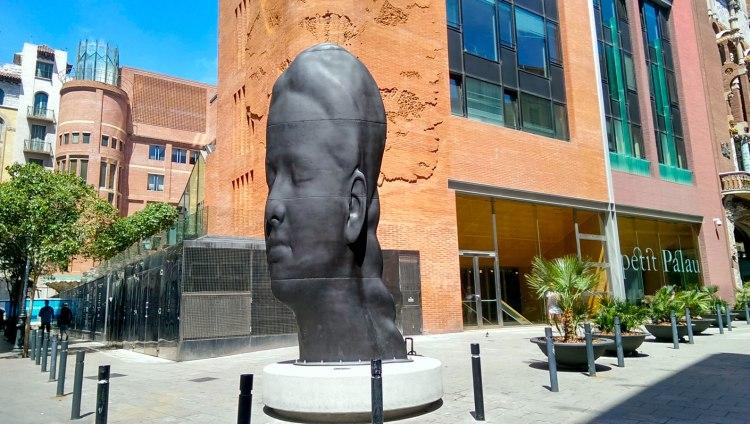 la scultura Carmela dell' artista Jaume Plensa