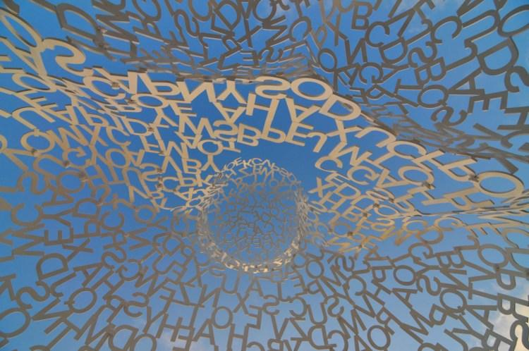 le lettere di Le Nomade dell' artista Jaume Plensa