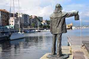 monumento al marinaio al porto di Savona