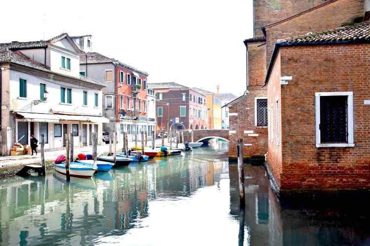 canale vena nel centro storico di chioggia