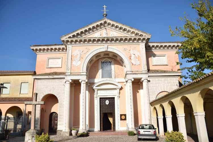 il Santuario di Santa Maria in Aula Regia a Comacchio la Piccola Venezia