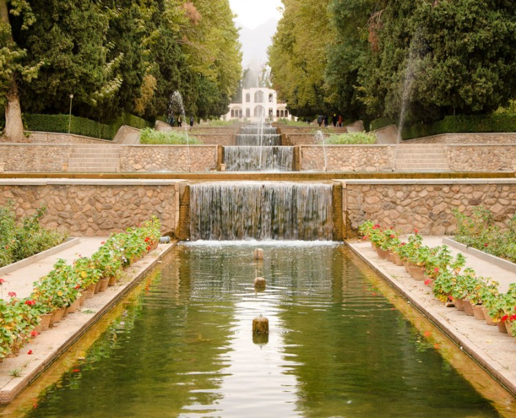 Lo splendore del giardino persiano Shazdeh Garden | Fonte: Lonely Planet
