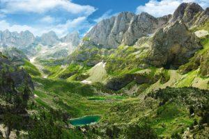 i bellissimi panorami delle alpi albanesi
