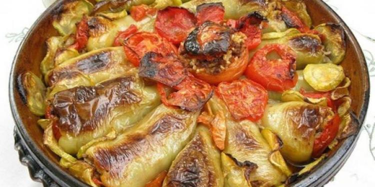 Speca të mbushur piatto della cucina tradizionale albanese