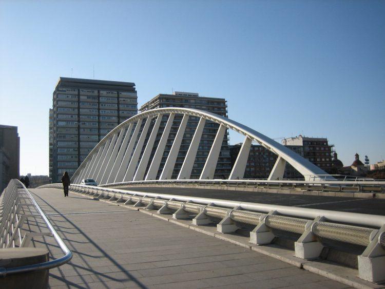 il puente de la exposición di valencia di santiago calatrava