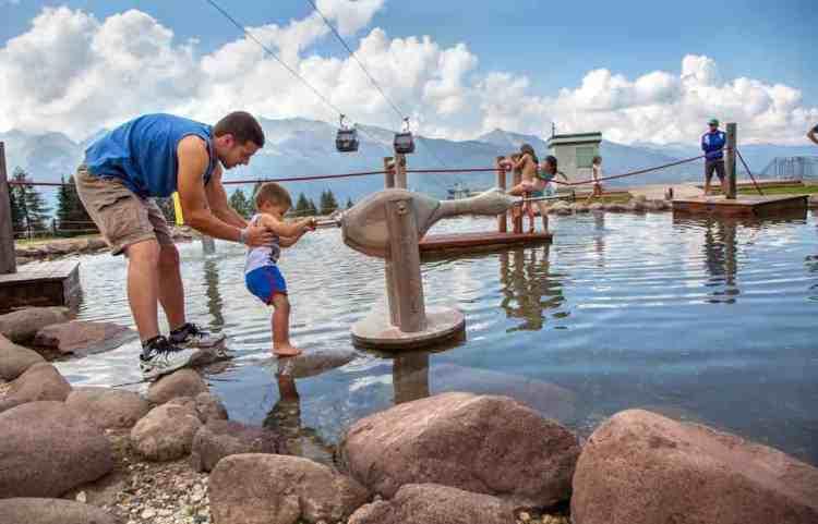 l'ambiente del parco acquatico giro d'ali a bellamonte in val di fiemme trentino alto adige