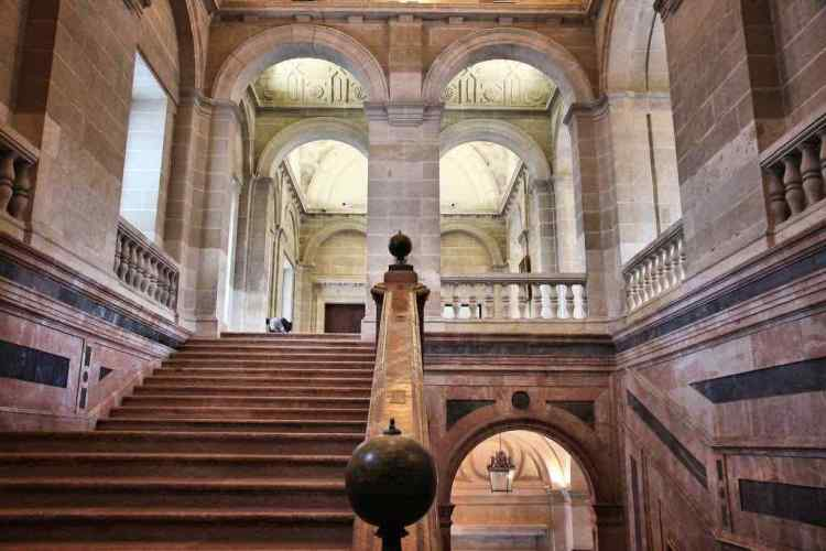 I magnifici interni dell'Archivio Generale delle Indie di siviglia