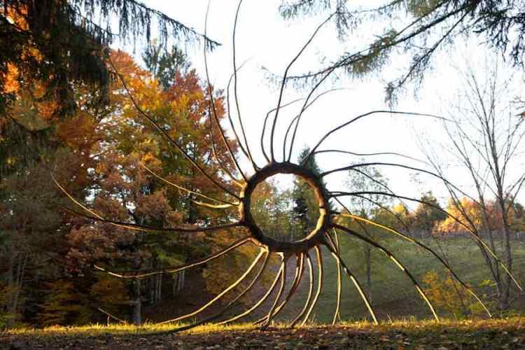 la calda atmosfera del parco arte sella in valsugana trentino