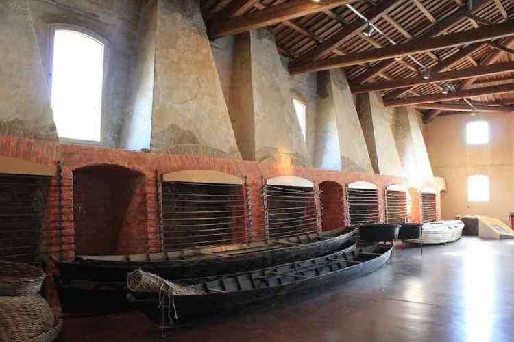 gli spazi della fabbrica di marinatura dell'anguilla di comacchio
