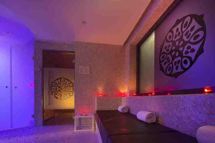 zona sauna della SPA dell'hotel de paris uno dei migliori hotel a saint tropez