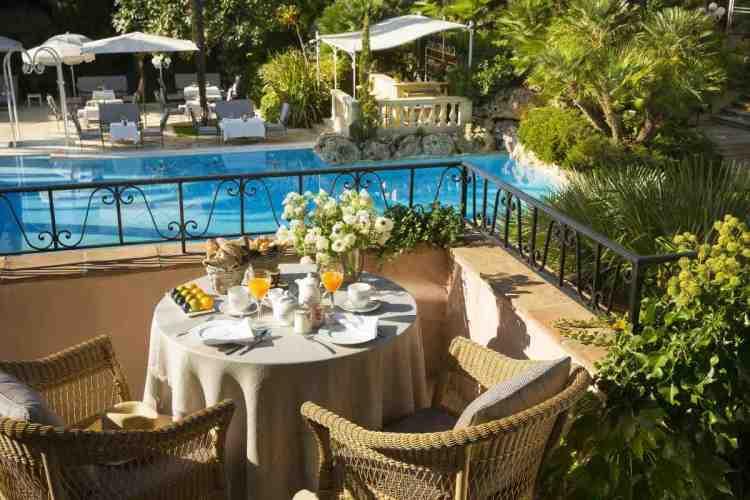 terrazzino di una suite de la bastide de Saint-Tropez, uno dei migliori hotel a saint tropez