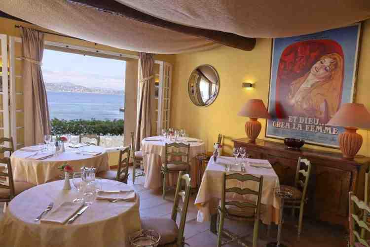 sala ristorante dell'hotel de la ponche uno dei migliori hotel a saint tropez