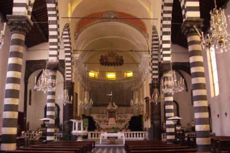 la chiesa di san giovanni battista a monterosso al mare cinque terre