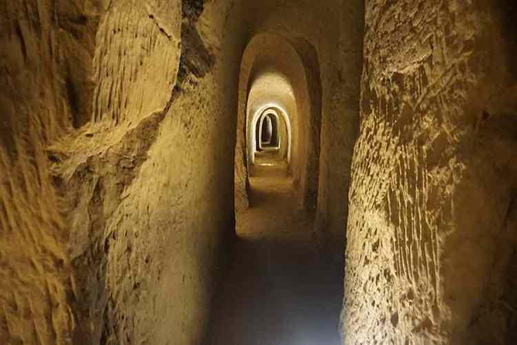 le grotte del cantinone nel sottosuolo di osimo nel cuore del parco regionale del monte conero