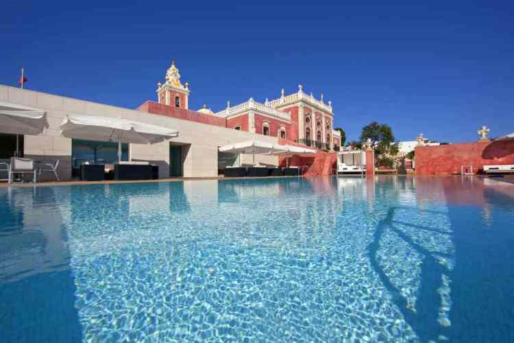 la piscina della pausada palacio de estoi