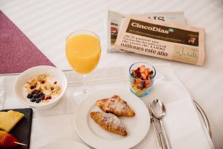il breakfast dell'hotel infantas by mij in centro a madrid