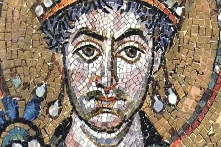 il mosaico di giustiniano a san vitale uno dei mosaici di ravenna piu belli