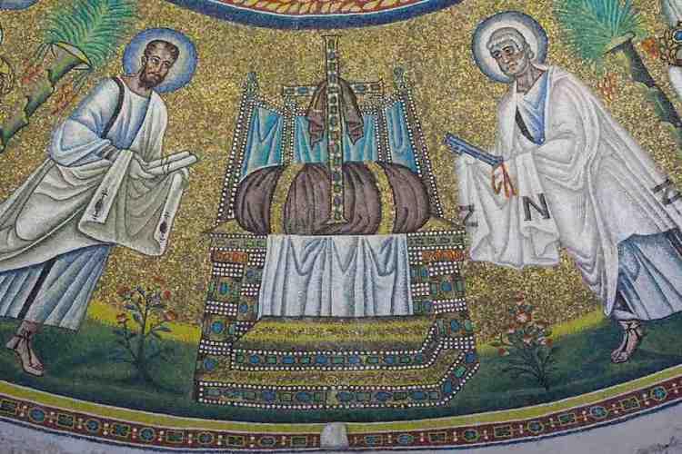 un dettaglio dei mosaici di ravenna nel battistero degli ariani
