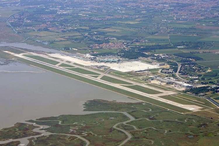 aeroporto di venezia sulla laguna