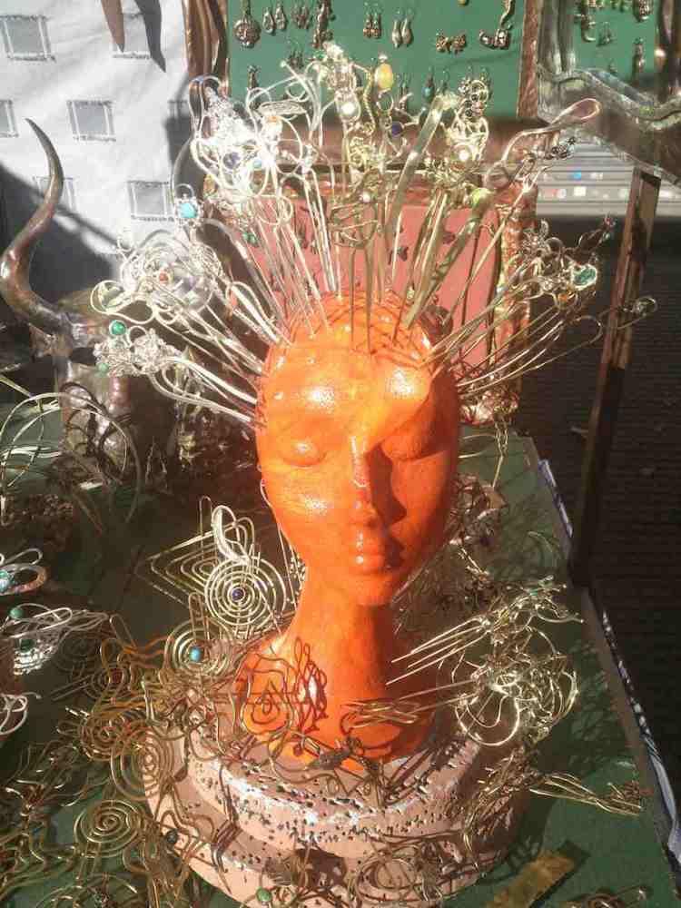 fermacapelli in rame realizzati in modo artigianale al rastro di madrid