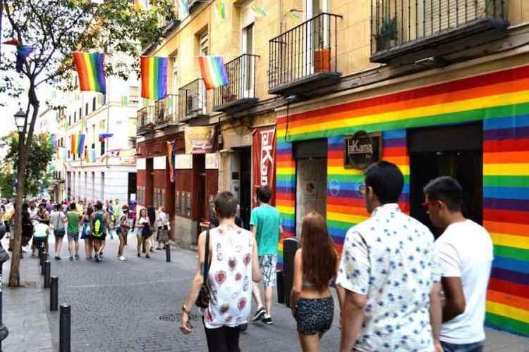 visitare madrid il quartiere gay di chueca