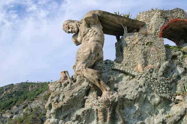 la statua del gigante a monterosso