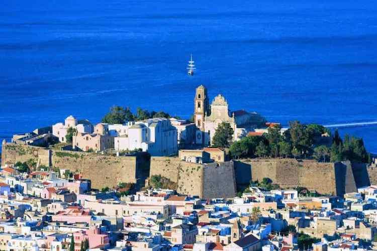 il castello di lipari e le mura spagnole