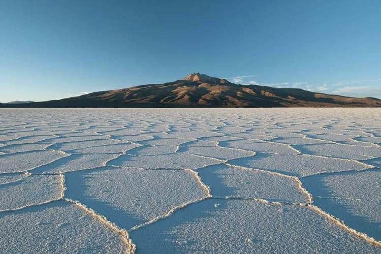 il vulcano tanupa che lambisce il deserto di uyuni