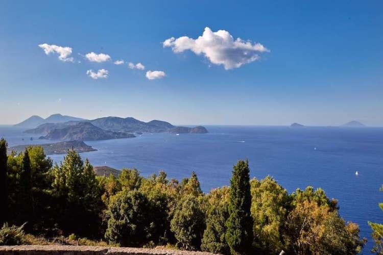 belvedere di capo grillo il punto più panoramico di vulcano isole eolie