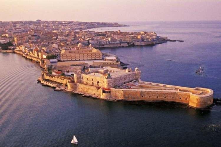 il castello maniace di siracusa sicilia