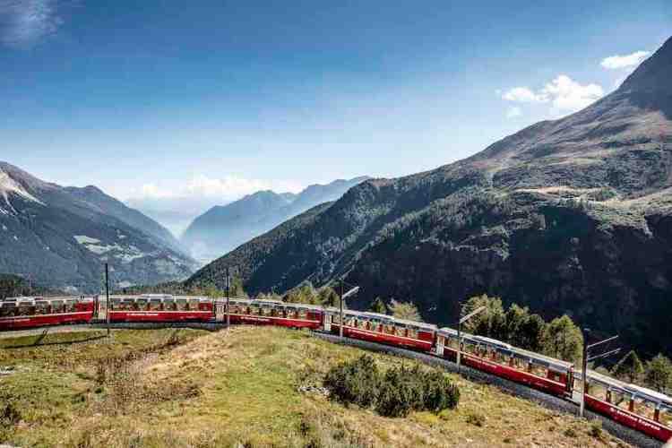treno del bernina all'alpe di gruem