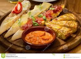 I piatti e i pasti della cucina spagnola  Viaggiamo