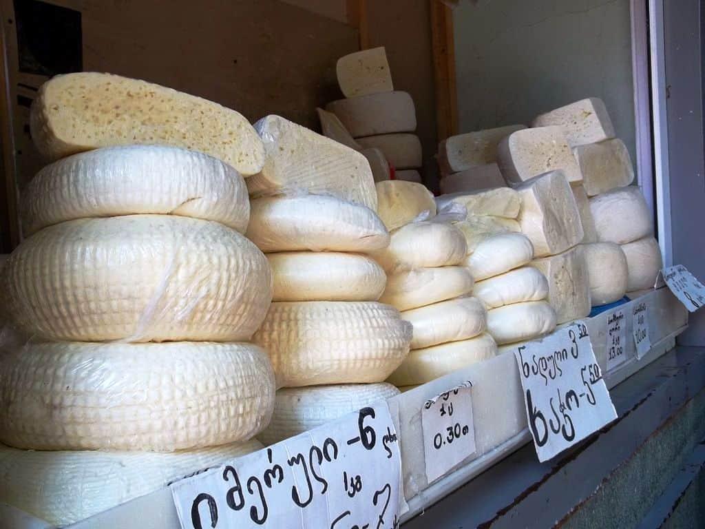 Georgian_cheese_Georgia-About-CC-BY-3.0 Georgia, tradizioni e buon cibo