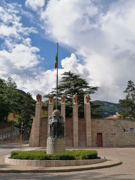 Piazzale Divisioni Alpine