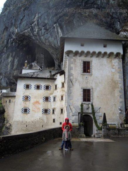 castello predjama solvenia