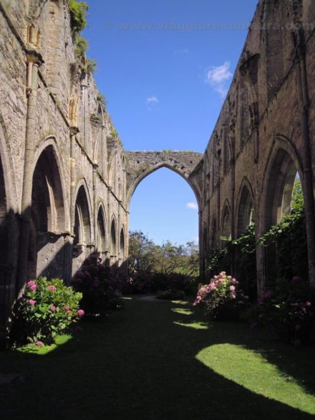 beauport-abbey-paimpol-brittany