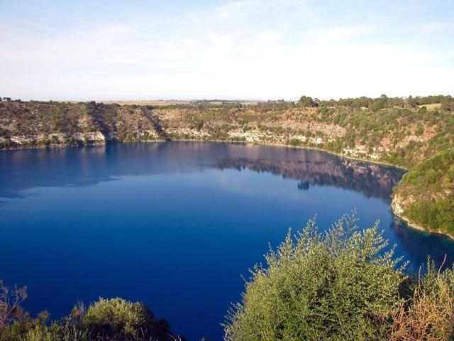 Australia - Limeston Coast - Mount Gambier - Blue Lake