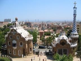 Spagna - Barcelona - Parc Guell - Padiglioni in pietra