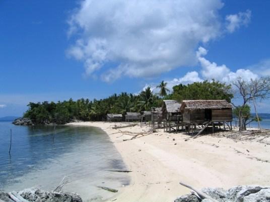Indonesia - Walea Island - Villaggio di Pescatori