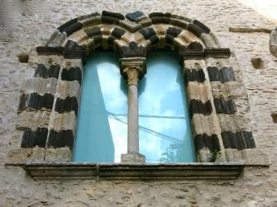 Gerace - Bifore Medievali di Casa Marvasi