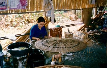 Thailand - Sankamphaeng - Laboratorio di artigianato