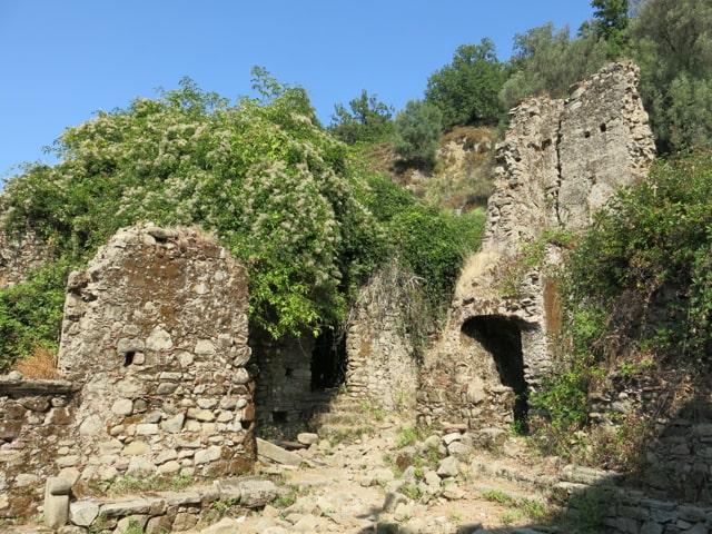 Africo Vecchio Borghi fantasma Calabria cosa vedere