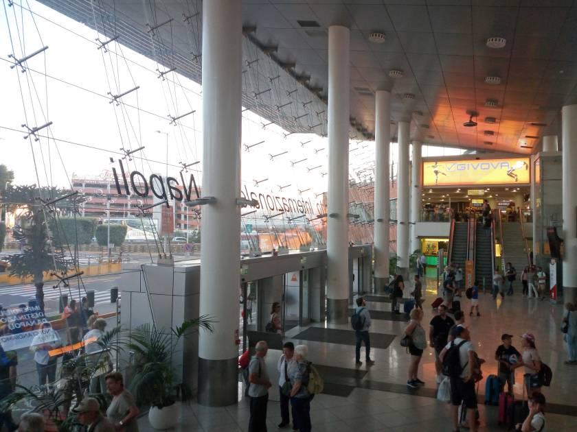 viaggiatori-per-caso-scalo-aereo-aeroporto
