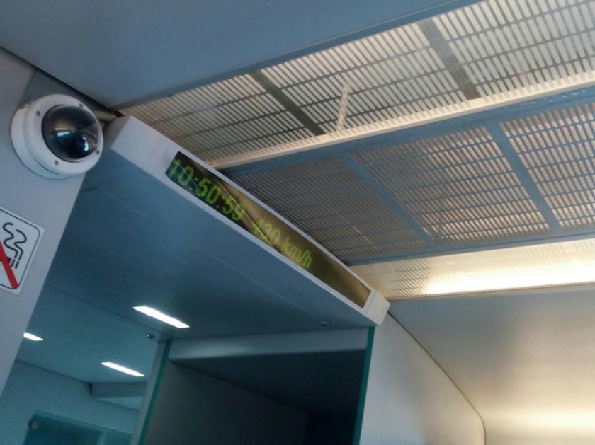 Maglev treno magnetico più veloce al mondo - 10 cose da fare a Shanghai